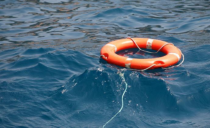 菲律宾长滩岛翻船事故致中国游客1死3伤