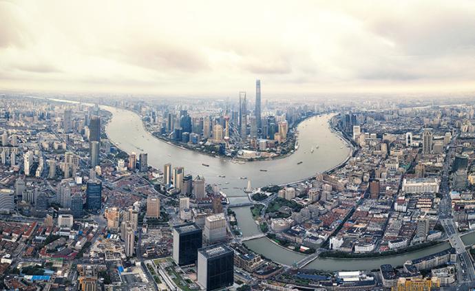 上海经济新动能蓬勃:网购增27%,化妆品零售增21.8%