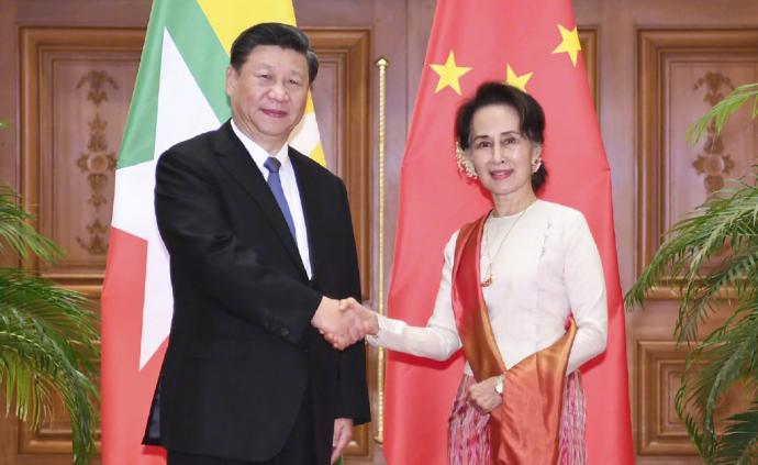 習近平同緬甸國務資政昂山素季會談