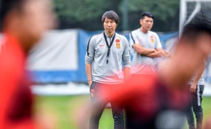 国足结束18天集训,主帅李铁:希望球迷给更多鼓励