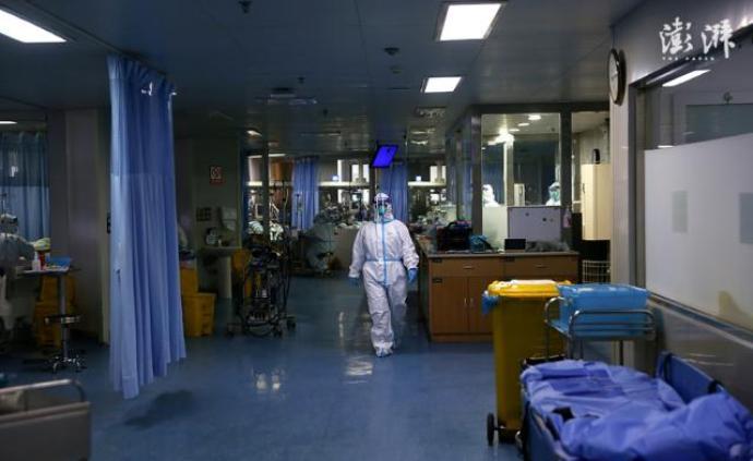 """与病毒搏杀的日与夜:试剂原料短缺,医护同事""""成了病人"""""""