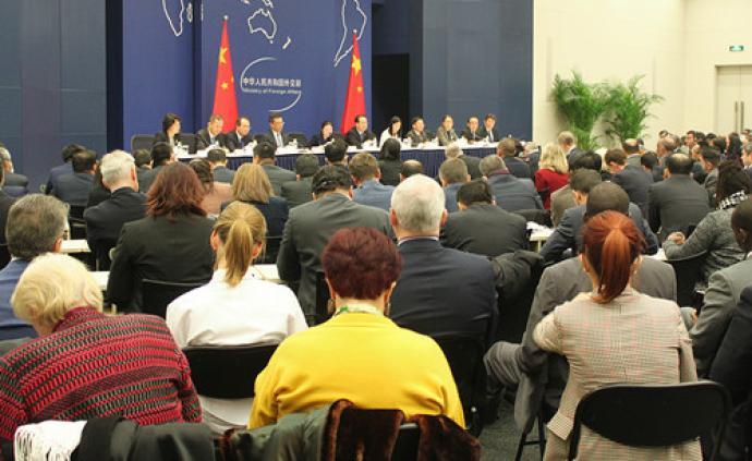 外交部:中国政府将及时解决在华外国公民的合理关切