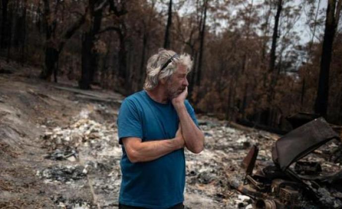 民调:仅三成选民认同澳大利亚总理应对山火方式