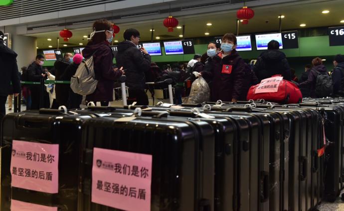 城事·援鄂 逆行者的微笑:138名上海新一批醫護順利抵漢
