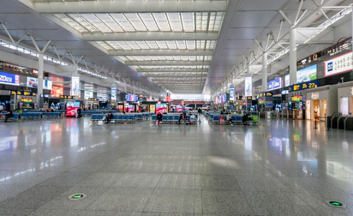 全國鐵路發送旅客降八成,北京上海廣州到發數均保持低位運行