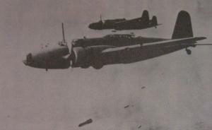 中国空军一架飞机拦截日军32架飞机是真的吗?