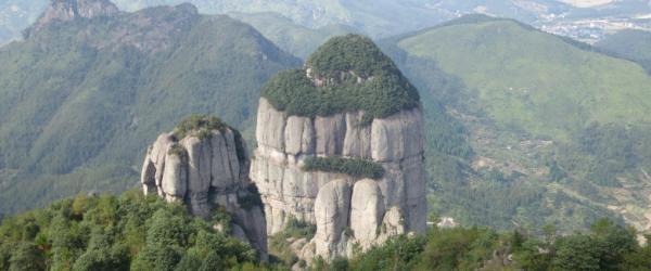 女驴友表白岩画成热门景点,法国专家团下周考察并提清除建议