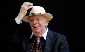 1997年诺奖得主、意大利剧作家达里奥·福去世