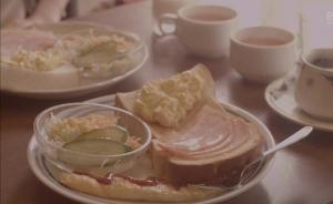 深夜食堂丨来一片吐司,抹上厚厚的黄油