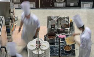 海底捞的锅底汤料是老外做的?跨国公司正在挺进中餐企业后厨