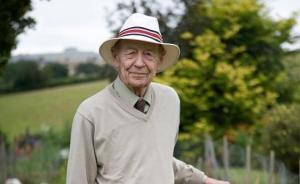 爱尔兰文学大师威廉·特雷弗去世,享年88岁