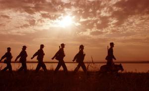 第54集团军某团团长操课迟到,主动在全团干部面前作检讨