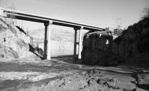 回访山西刘家塔镇露天煤矿:煤烟弥漫山谷,污水直排黄河