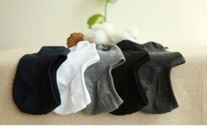 连袜子的商标也有人抢:健盛集团上市前商标被抢注为何未披露