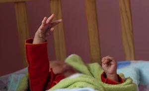 湖南5岁女童因吵闹被母亲推倒头部摔伤致死,生前长期被殴打