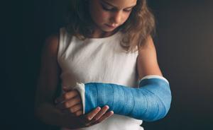 儿童骨折切勿套用成人疗法 骨骺受损可致生长障碍