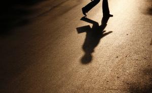 湖南怀化出动特警群众等千余人,地毯式搜索杀3人嫌犯张建华