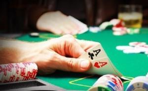 德州扑克人机对决,玩家解释AI技巧
