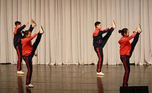 传统艺术进校园效果几何:多套戏曲体操亮相尝试进校推广