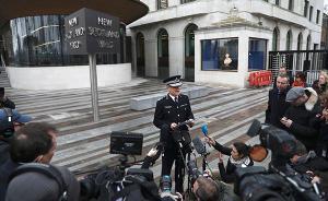 伦敦警方:上百警力连夜搜查,搜查伦敦伯明翰6处逮捕7人
