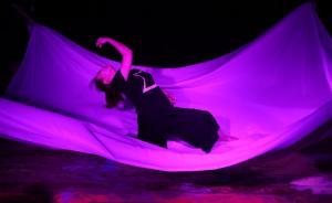 用舞蹈来演绎哲学家拉康的故事