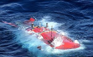 """大海捞""""针"""",蛟龙号找回一年前""""丢""""在六千米深海的采水器"""