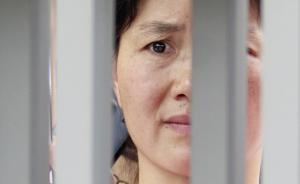 6月7日,江西南昌二中考点的考生在家长的夹道迎接中走出考场。东方IC 图