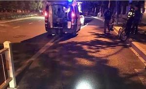 """杭州骑车小伙称""""共享单车深夜倒在马路上""""将其绊倒右腿骨折"""