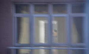 呼和浩特三男子入室行窃被发现后两人坠楼,一人身亡两人获刑