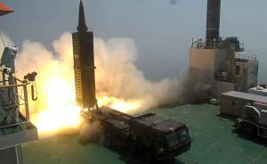 """当地时间2017年6月23日,韩国,韩国试射""""玄武""""2弹道导弹(可覆盖朝鲜全境),文在寅现场参观。青瓦台称,这次试射导弹是对朝鲜挑衅的""""严厉警告""""。视觉中国 图"""