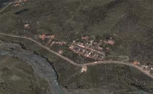卫星鸟瞰:山体高位垮塌前的茂县新磨村