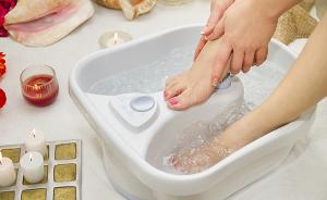 闷热潮湿皮肤真菌滋生, 三伏天中药泡脚防足癣