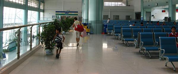 """扬州火车站回应""""一年后又被投诉热如蒸笼"""":先放置冰块降温"""
