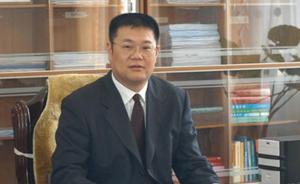 河南省平顶山原副市长郑理受审,涉嫌受贿900余万