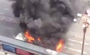 南昌一男子公交车内纵火被烧死,乘客及司机安全逃离