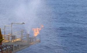 南海可燃冰试采创纪录背后:蓝鲸1号抗12级台风作业不中断