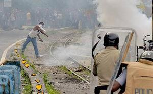 印度大吉岭廓尔喀人谋求独立建邦,与警方持续冲突超40天