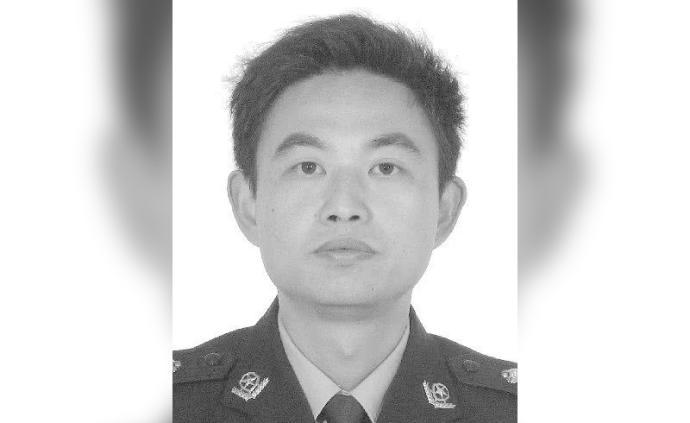 """湖南岳陽44歲民警董銳心臟病突發,犧牲在戰""""疫""""崗位"""