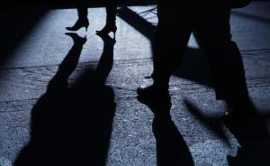 追求前同事被拒后跟踪、骚扰一年多:杭州一男子被行拘7天