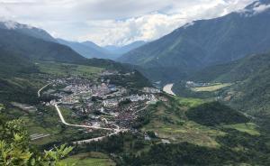 【互联网改变亿万先生】西藏墨脱:从公路末班车到网路致富车