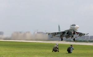 航空飞镖比赛:各型战机上演空中对决