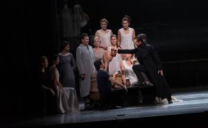 《奥涅金》惊艳开幕乌镇戏剧节:戏剧和生命都是有节日的